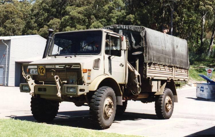 Land Rover Range Rover >> Castrol's Australian Army Unimog pics
